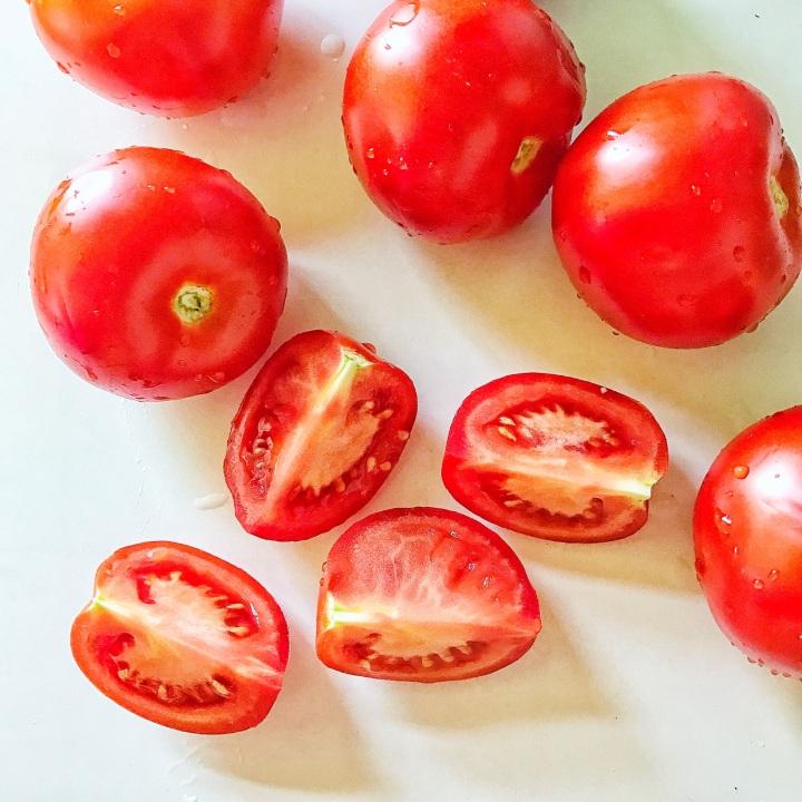 4 - cut tomatoes